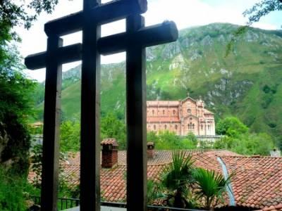 Descenso Sella - Lagos de Covadonga; salidas semana santa; cultura y viajes;caminar rápido